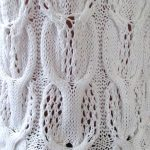 Eyelet cabled knitting stitch