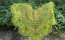 Lace Shawl with Large Leaf Edge Pattern